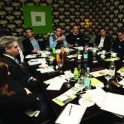 /o/c/t/Roundtable1.jpg