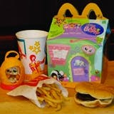 /v/n/d/McDonaldsHappyMeal.jpg
