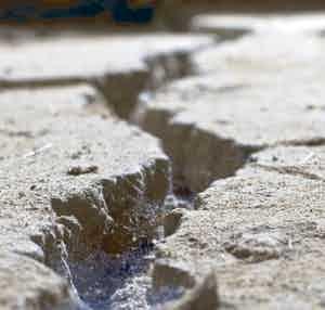 /m/h/x/Cracks.jpg