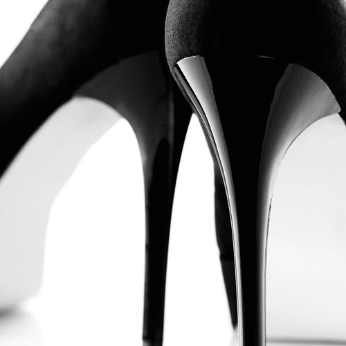 black shoes heels
