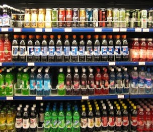 soft drinks should be banned Do i think soft drinks should be banned from schools you bet nobody is  stopping parents from giving their kids sodas at home, advisable as.