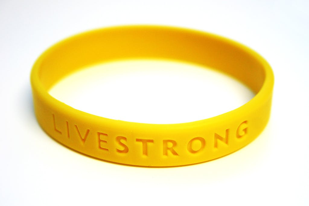 Nike cuts ties to Armstrong charity Livestrong