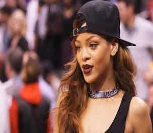 Rihanna-Person-2013_304