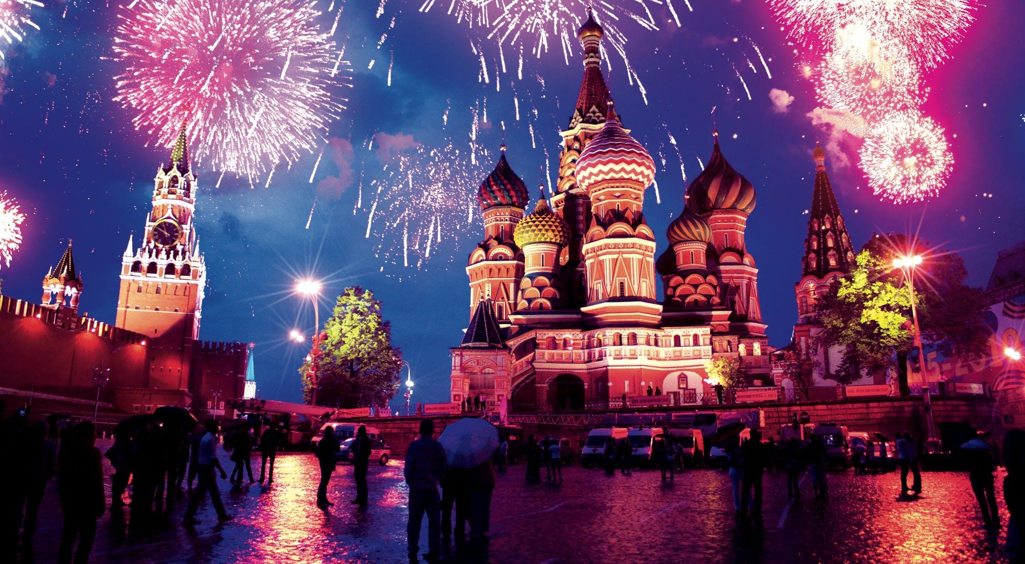 russia-fireworks-fullwidth