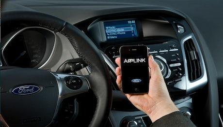 Ford-ConnectedCar-2013.460