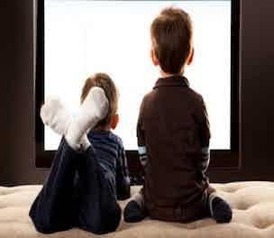 KidswatchingTV-People-2014_304
