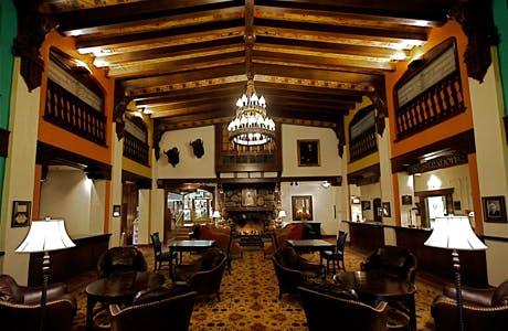 Hilton lounge 1