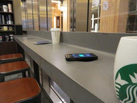 StarbucksWirelessCharging-Product-2014_460