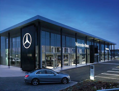 mercedes showroom 2014 460