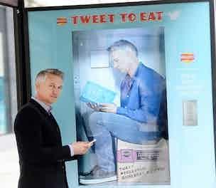walkers twitter vending 2014 304
