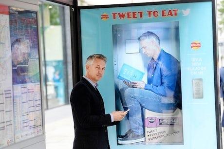 walkers twitter vending 2014 460