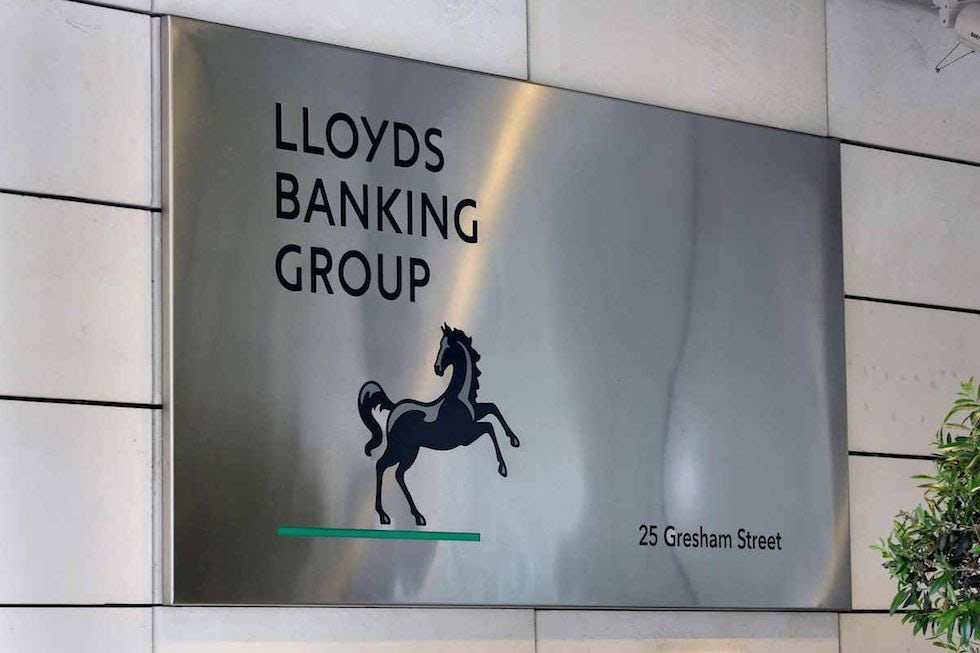 Lloyds Banking Group is to close 200 of its Lloyds and Bank of Scotland branches as it digitises business.