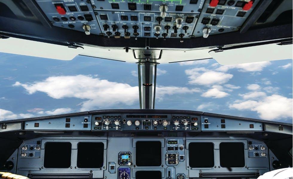 Plain cockpit
