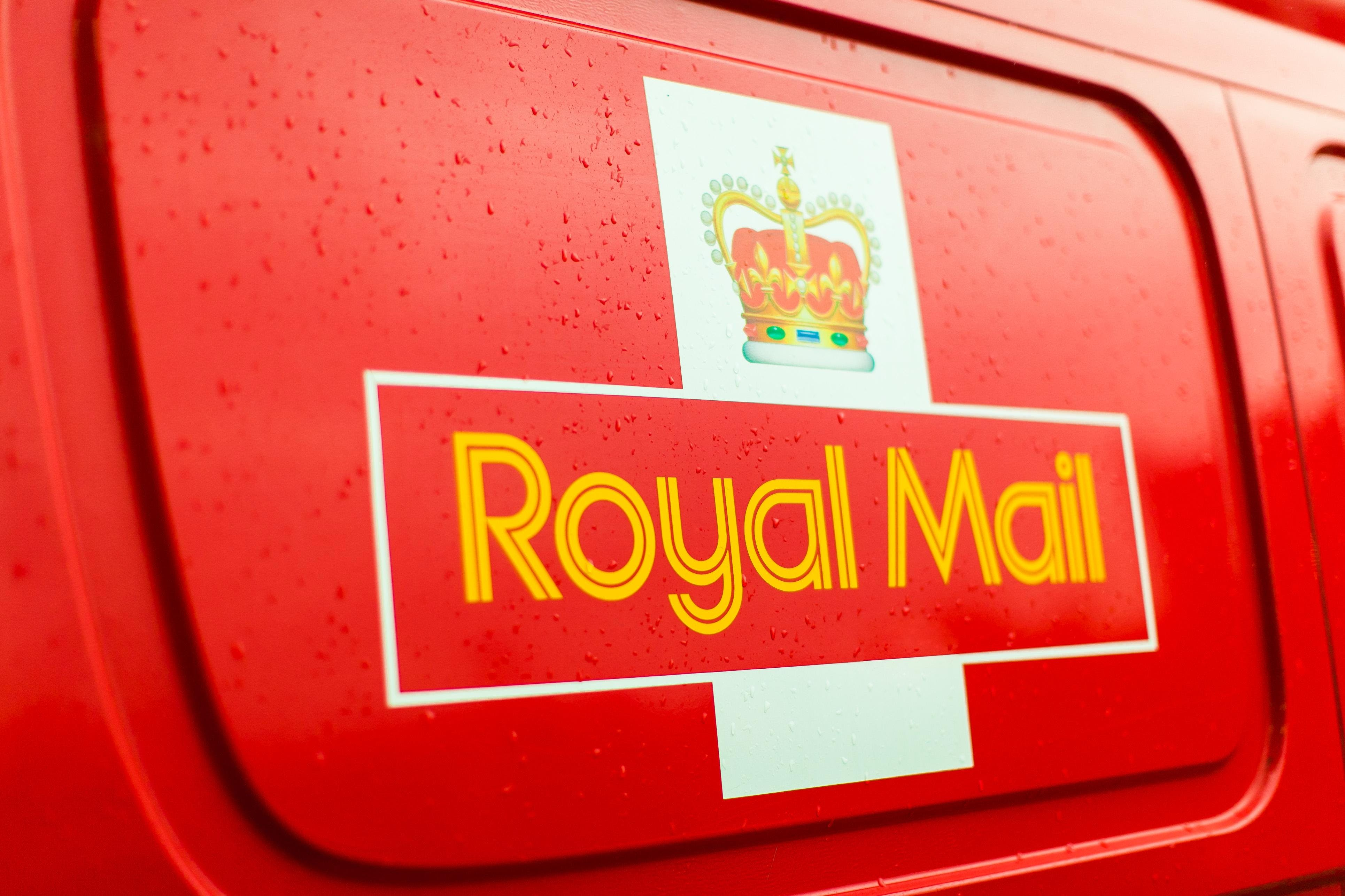 """Serialą """"Sostų karai"""" Britanija pagerbė nauja pašto ženklų serija"""