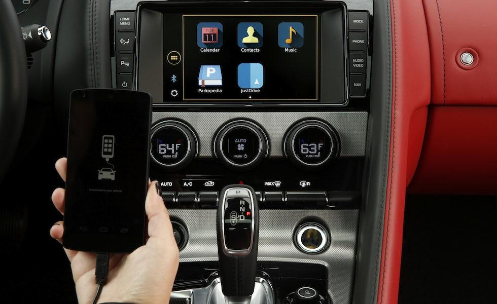 Connected-car-Jaguar