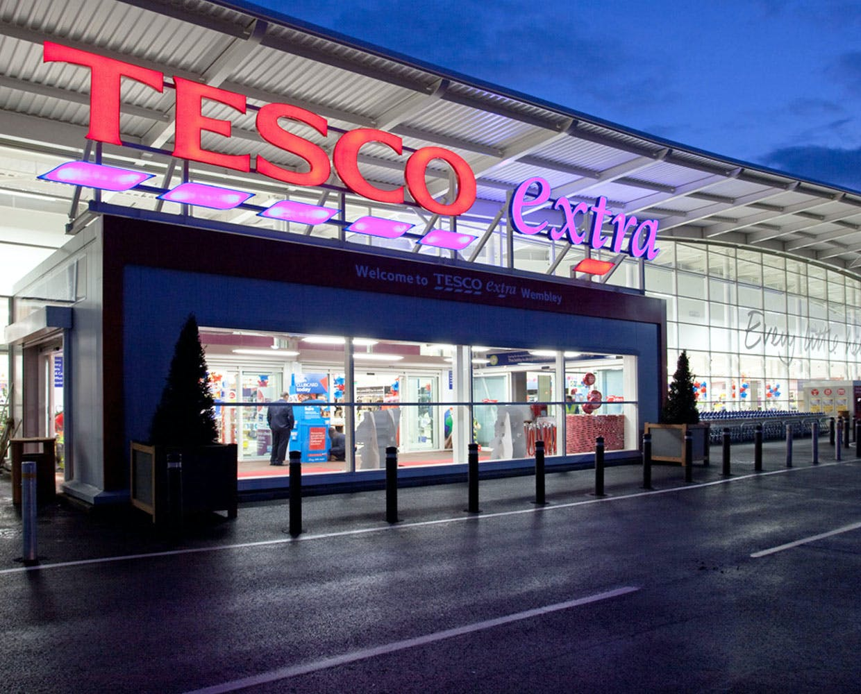 tesco development For almost a hundred years, we've been serving customers in the uk today, we serve millions of customers a week across the world right now, we're writing the next chapter in our story, with an ambition to be the world's most loved multi-channel.