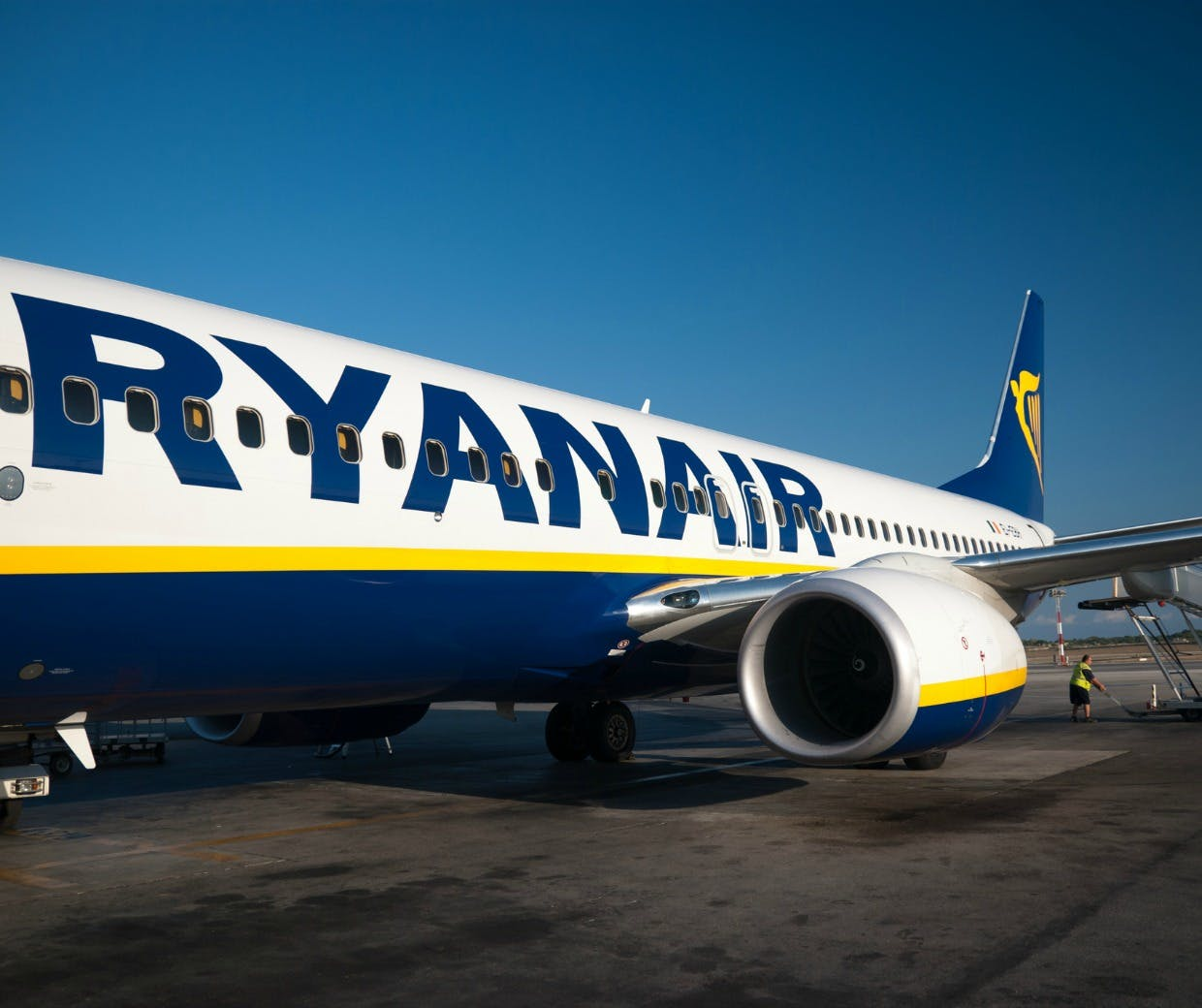 strategies used by ryanair to strenghten their position in market Used a qualitative method to collect empirical data that could match with the   the reaction of ryanair and sas through entrepreneurial and  table 8 -  airlines serving the eu market  argument and says eu policies to  strengthen europe position in the world will have a future impact.