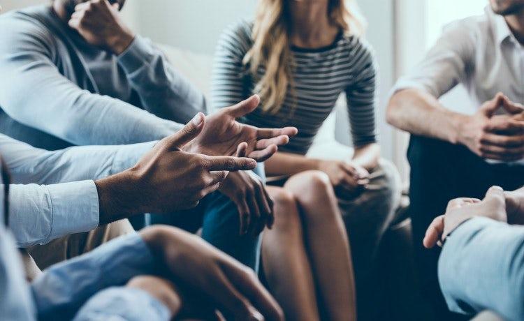 team-management-meeting_750