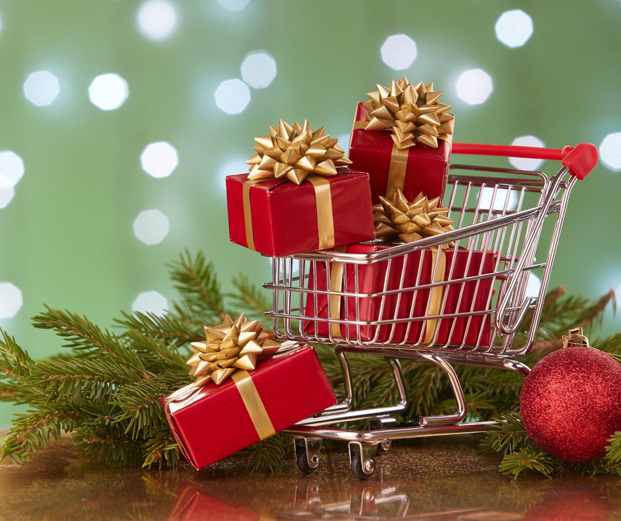 Christmas Ads.Blockbuster Ads Fight Product Promotions For Shrinking