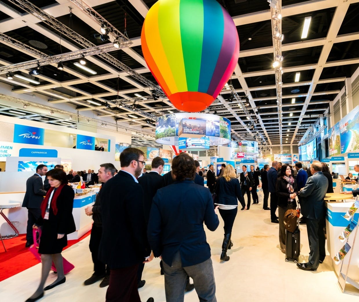 Trade Show Booth Objectives : How to build an effective tradeshow marketing strategy u marketing