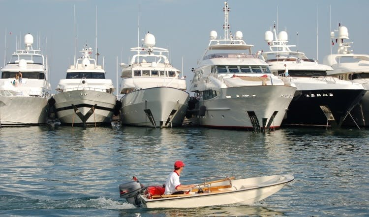 Cannes yachts agencies