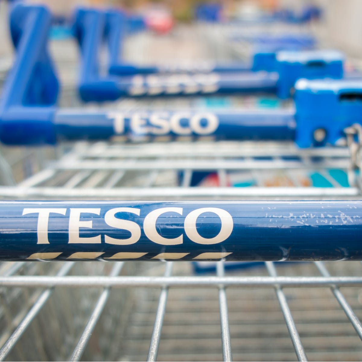 Tesco sees customers switch from Aldi for first time in a decade