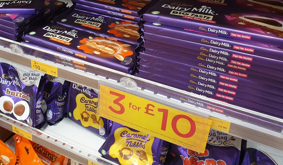 Junk food promotions to be banned in healthy eating drive